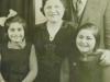 bessie-and-alf-with-daughters