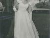 joan-finger-arrives-for-her-wedding